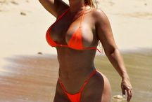 Nicole Coco Austin / Here you'll find photos of the very sexy Nicole Coco Austin!