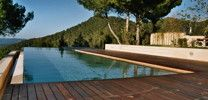 Exceptional pools / We show you the most beautiful and exceptional pools. Join us on domizile.de or fine-rentals.com ... Most of them you will really discover with us!