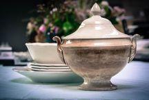 Brocante Wit.... Ironstone / Brocante witte serviezen van aardewerk of porselein. Erg mooi en decoratief. O.a. van Maestricht, Boch of Petrus Regout