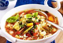 Suppen & Eintöpfe / Kaum rückt die kalte Jahreszeit näher, steigt das Verlangen nach etwas heißem im Magen! Da kommen die besten Rezepte für Suppen und Eintöpfe gerade recht!