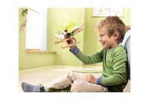 Zabawki dziecka / Tablica o zabwkach i zabawie dzieci. Dzięki zabawie rozwijają się i dawajmy im jak najwięcej możliwości do nauki