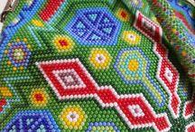 bead crochet bags / Recznie robione koralikowe torebki.