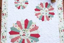 Quilt Patterns / by Joline Sikora