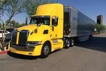 Western star and cat / Trucks