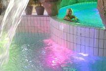 Les Bains de Royatonic / Détails des différents bains de Royatonic : intérieurs, extérieur, jacuzzis...