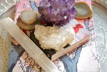 Vignettes / Beautiful vignettes to inspire from inspiring interior design and decorating ideas. HELLO LOVELY Studio (http://www.hellolovelystudio.com) celebrates all things HOME and has inspiring interior design, DIY, decorating ideas, renovation, art, and architecture--spotlighted and explored by author Michele.