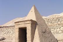 Piramisok, pyramids