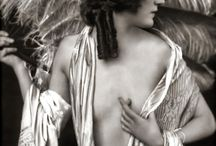 Girls Women Female icons from another time, real or fictive / Women and their esthetics that inspire me / by Henri Montag
