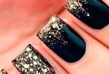 Nail nails / Beauty