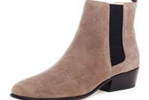 Fall Women's Footwear / by Julie Bartlett