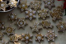 Gingerbread decorating