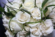 Bridal Bouquets / From classic white over romantic pastel tones up to bright and colourful arrangement - amongst these gorgeous bridal bouquet inspirations there is certainly something for everyone