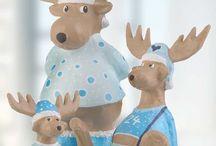 """Rentier und Elch basteln für Weihnachten – Ideen mit Anleitung / Rentiere sind die Helfer des Weihnachtsmannes und ziehen seinen Schlitten mit den Geschenken durch die Lüfte. Kinder lieben es, ihren """"Rudolph"""" oder einen Elch zu basteln!"""