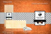 TABLETAS / Aquí encontrarás una amplia variedad de tabletas hechas con delicioso chocolate Belga, todo elaborado a mano. Una elaboración muy cuidada y con esmero pero sobre todo con mucho amor, hacen de nuestras tabletas un producto de sabor intenso y único.