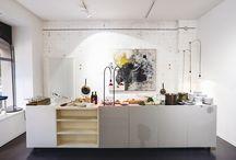 ART IN KITCHENS / A cozinha também pode receber arte! Venha ver algumas idéias.