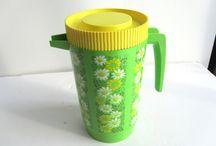 housewares - pitchers & teapots