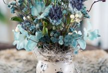Home Decor: Flower Arrangements / by Tricia Cherry