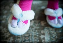 Bride Shoes & Feet / Wedding shoes, bride's shoes, bride's feet.