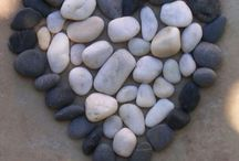 Fun with stones  / Having fun and create things with stones on the beach