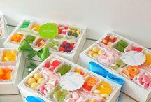 Коробочки со сладостями