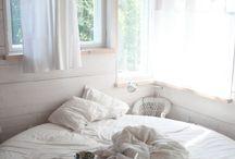 bedrooms / by Anne de Jong