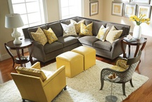 A living room to decorate / Grey and yellow White accessories