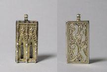 14th century jewellery
