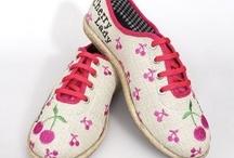 Pembe Tasarımlar / En keyifli, tarz ve farklı pembe tasarımlar www.nishmoda.com'da. Pembe ayakkabılar, pembe yakalar, pembe çantalar ve onlarca farklı pembe tasarım