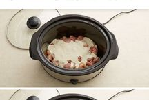 Crockpot Meals for Large Families / I love my crockpot! It is so easy to throw in dinner in the morning and have it ready by afternoon. It has saved me many, many times.