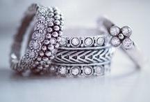 Jewelry / Sieraden - Armbanden - Horloges - Ringen - Oorbellen