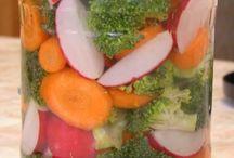 nakládaná zelenina,čalamady,sterilované saláty, sušené ovoce, aj...