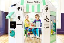 Kids play salon