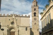 ARCHITECTURE / Dettagli di decorazioni, cattedrali, palazzi, case.