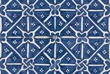 Blauwe tegeltjes I / by Inge