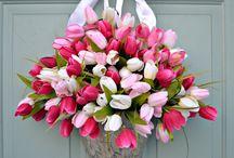 na zewnatrz kwiaty ozdoby zawieszona