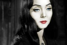 Carolyn jones / She's creepy and she's cooky but also a dark beauty