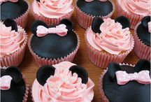 Cupcakes / by Louise MQ