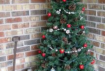"Christmas Home Exterior Decorating / Getting the exterior of your home all ""Merry & Bright"" for Christmas"