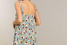 LEI 1984 · SS18 Campaign / LEI 1984 · SS18 Campaign. La moda de Lei 1984 vive en un universo sereno de líneas puras y sencillas. La calidad es una de sus máximas y por eso, la firma confecciona todas sus prendas con materiales nobles. En sus colecciones predominan los colores planos para transmitir limpieza y luminosidad.