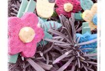 Fiori di spugna fatti a mano / Come realizzare fiori di spugna fatti a mano riciclando delle vecchie spugne da cucina.