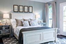 Bedrooms / by Mary Ann Slaten