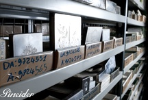 Pineider paper and printing craftsmanship / Since 1774 Pineider produces bespoke stationery with exclusive traditional printing methods. Here come some pictures of Pineider's workshop near Florence.