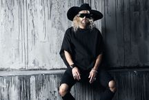 ByTheR- Old Classic Charismatic Style Chic Gothic Black / http://en.byther.kr/