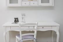 writing table / שולחנות כתיבה של www.housein.co.il