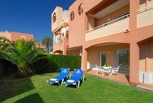 Oliva Nova Golf & Beach Hotel **** / Más de 200 habitaciones en las que se ha cuidado todo lujo de detalles. Terraza, vistas al Mar, jardín privado o piscina privada, TV FULL HD o WIFI son solo algunas de las comodidades que pueden hacer su estancia más agradable.
