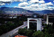 Pico y Placa Medellin 2016 Primer Semestre / PICO Y PLACA MEDELLÍNPRIMER SEMESTRE 2016 Durante la primera semana de rotación, entre el 1 y el 5 de febrero, la medida será pedagógica. A partir del lunes 8 de febrero de 2016 inicia el periodo sancionatorio. La medida regirá de lunes a viernes para vehículos particulares y motos de dos tiempos, en horario de 7:00 a 8:30 de la mañana y de 5:30 de la tarde a 7:00 de la noche.