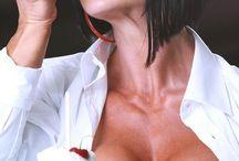 Nicole Ball - Female Bodybuilder / NICOLE BALL - Canadian IFBB Professional Bodybuilder