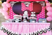 Minnie Mouse's Dessert Table