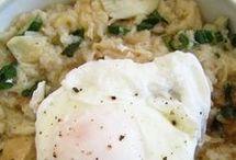 migas de bacalhau com ovos escalfados.