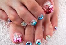 Nail Art Ideas and Nail Color Trends / A growing collection of the best nail art photos, nail color trends and nail polishes